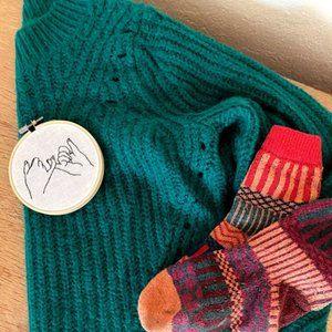 gap emerald sweater